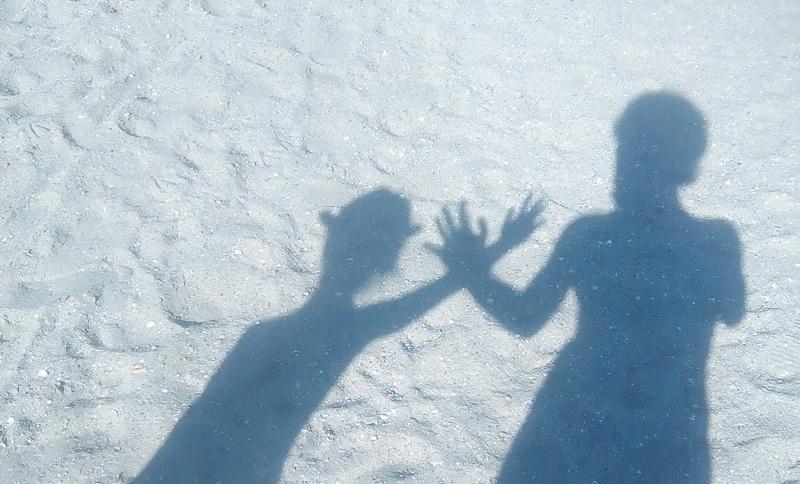 umbre pe plaja